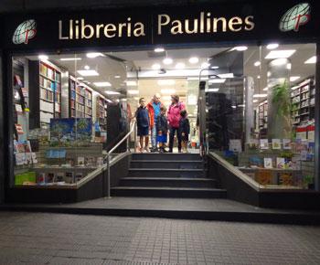Fachada de la Librería Paulinas de Barcelona