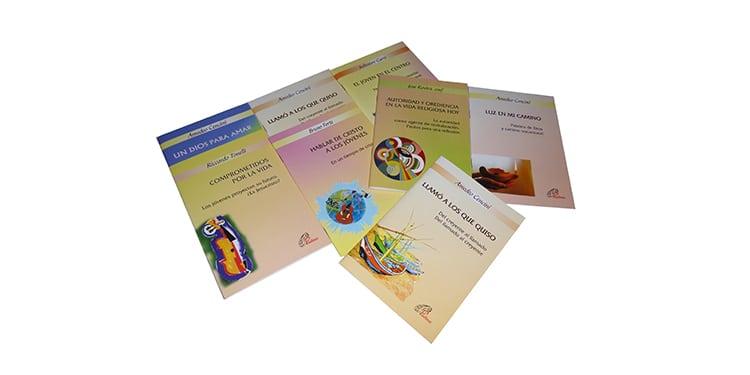 Muestra de los libros pertenecientes a la colección Pastoral Vocacional
