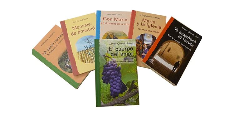 Muestra de libros pertenecientes a la colección Caminos nuevos